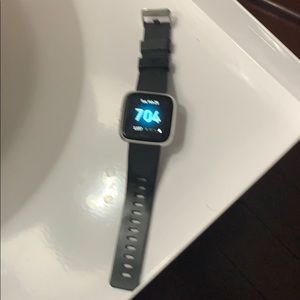 Fit Bit Versa Lite Watch with two extra bands